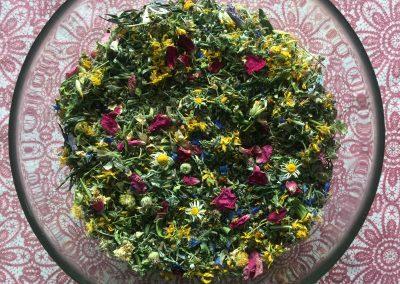 Sušené byliny na čaj, narážku nebo koupel